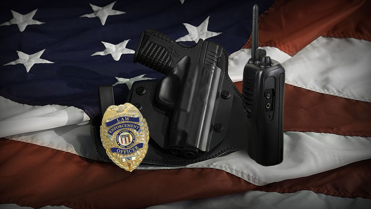 leo_gun_radio_flag_cccimage